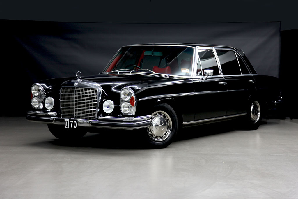 Large luxurious limousine mercedes benz 300 sel 6 3 for Mercedes benz worldwide sales figures