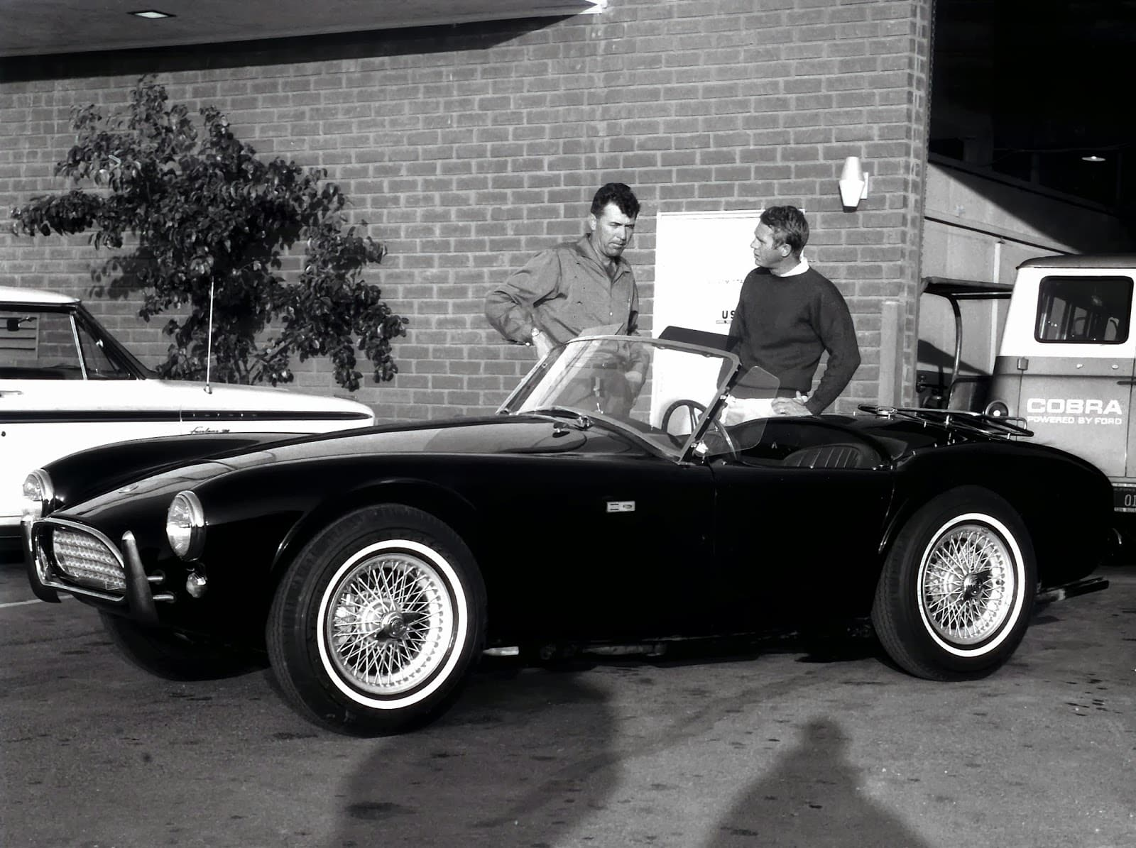 Caroll Shelby with Steve McQueen and Cobra