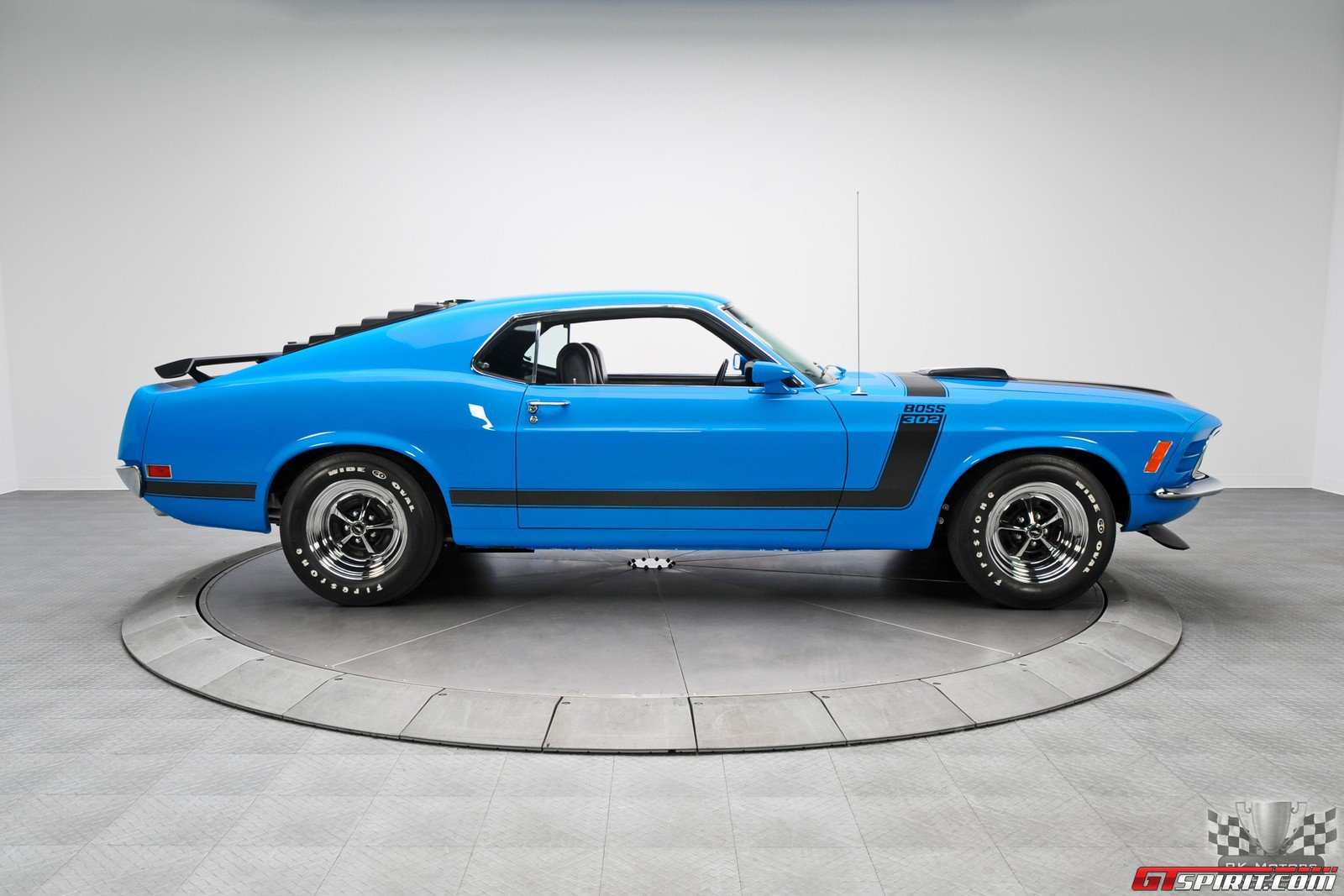 Look Good In Grabber Blue Like A Mustang Boss 302 Carlassic