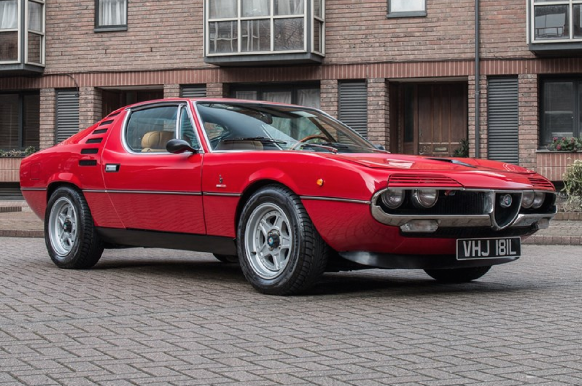 72 alfa romeo montreal up for auction carlassic for Garage alfa romeo luxembourg